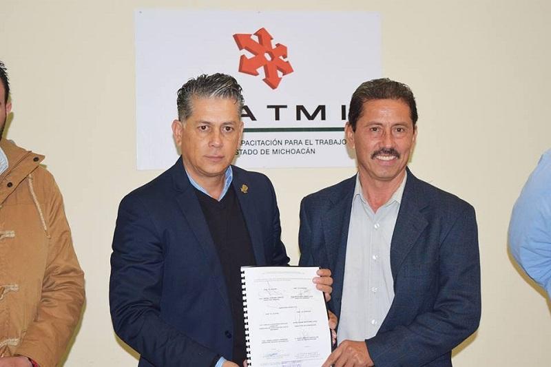 Israel Tentory García, resaltó la importancia de establecer el convenio con la Comisión de Ferias