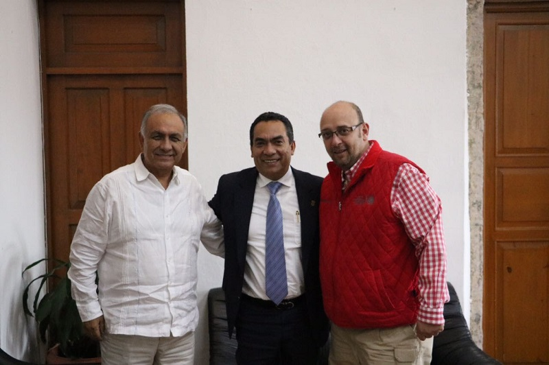 El secretario de Gobierno de Michoacán, Adrián López, agradeció la visita de cortesía de los nuevos delegados de la SCT y la Segob