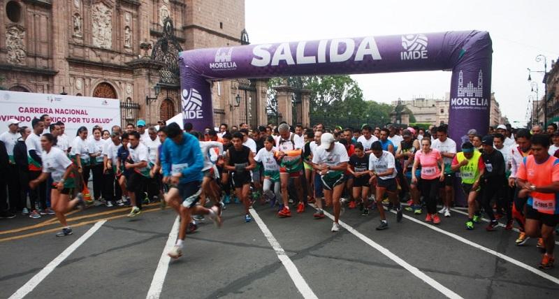 El moreliano de 31 años de edad, Edgar Olmedo, se proclamó como el ganador absoluto de la carrera y destacó la importancia de estos esfuerzos para incentivar a la sociedad a realizar alguna actividad saludable
