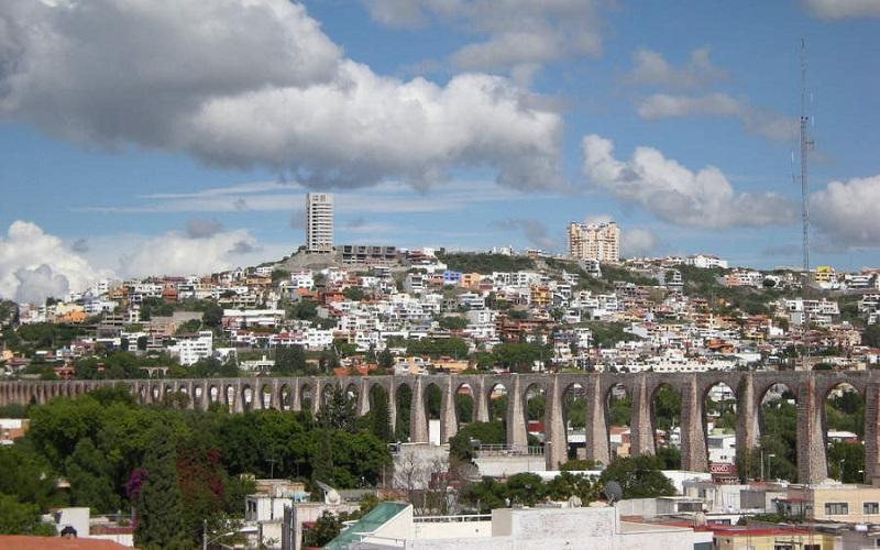 Respecto al tema de la Universidad Autónoma de Querétaro (UAQ),el aumento es de 3.4%, lo que equivale a 41.5 mdp