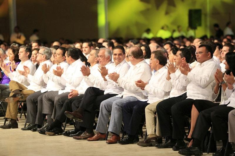 Aureoles Conejo tuvo la oportunidad de escuchar los pormenores del trabajo desempeñado por su homólogo de Tabasco, con quien coinciden en la necesidad de fortalecer el presupuesto de las entidades y sus municipios
