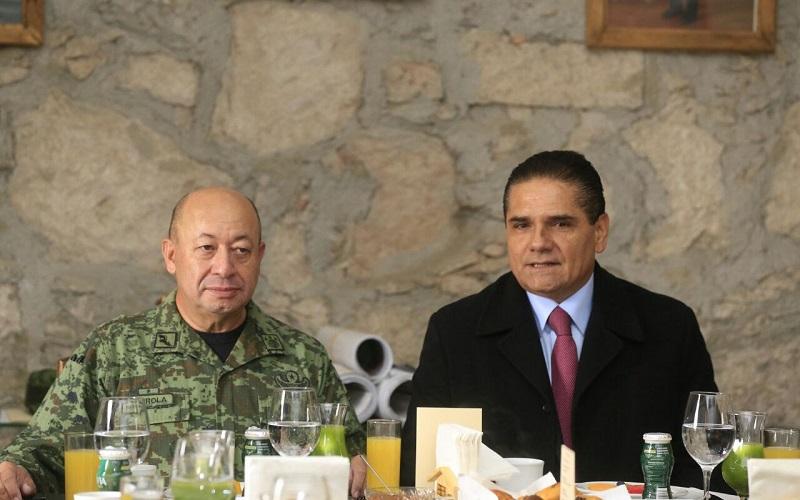 En el encuentro encabezado por el gobernador de Michoacán y el mando especial para la seguridad del estado, Felipe Gurrola, las áreas de seguridad rindieron un informe de las labores que se realizan en la Tierra Caliente de Michoacán