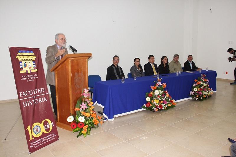 Un privilegio tener una institución con una comunidad numerosa, infraestructura y programas acreditados, mencionó Gómez Mendoza