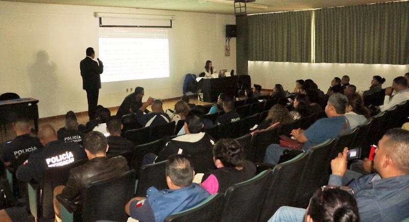 El taller que tuvo una duración de cuatro horas se impartió como respuesta a las recomendaciones 24 y 25 que la CNDH emitió a todos los secretarios de Seguridad Pública del país