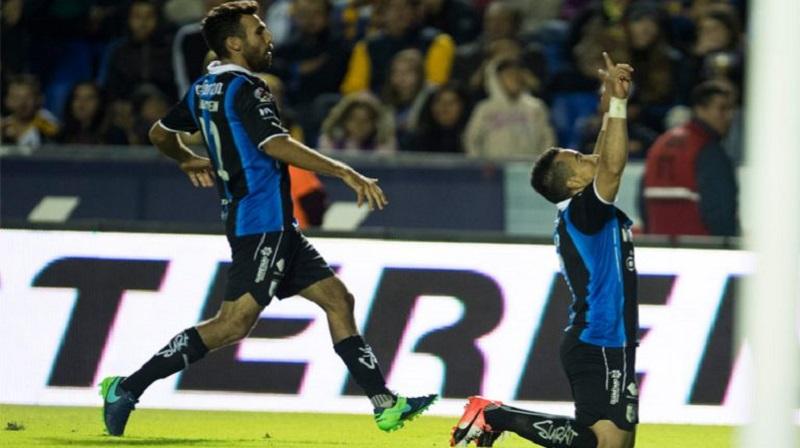 Los goles de Yerson Candelo y  Camilo Sanvezzo dieron el triunfo a Querétaro