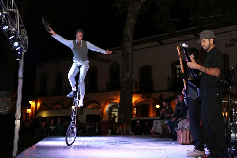 El alcalde Víctor Báez reconoce el trabajo realizado por el Gobierno del Estado, que encabeza Silvano Aureoles, para descentralizar las actividades culturales