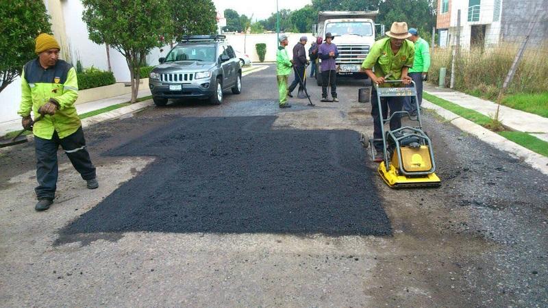 Con estas acciones el alcalde Alfonso Martínez reafirma su compromiso con la ciudadanía de seguir invirtiendo recursos públicos para el mantenimiento de las calles y avenidas de la ciudad