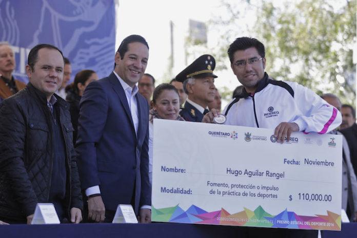 El desfile concluyó con la presencia de la Asociación Regional de Charros y trabajadores del servicio de limpia del Municipio de Querétaro