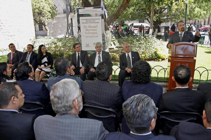 Cuidar a la UMSNH, a Morelia y al Estado, son los principios y el legado de Manuel Martínez Solórzano, afirmó el rector nicolaita