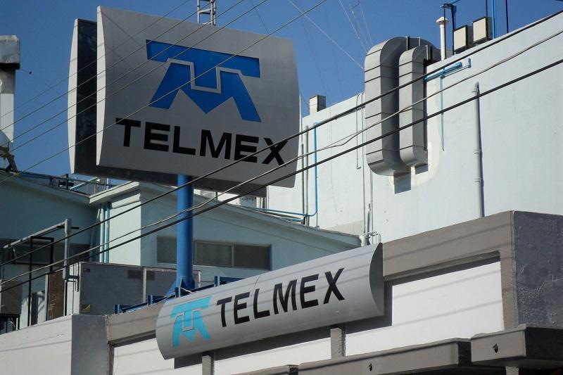 Telmex informó que la falla se presentó en Mazatlán por un corte a su red de fibra, probable acto de vandalismo, por lo que resultaron afectados usuarios de varias zonas de México