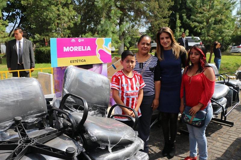 Con ello suman ya 42 proyectos productivos operando en el municipio a través del DIF Morelia, algunos de los cuales tienen hasta 10 años funcionando