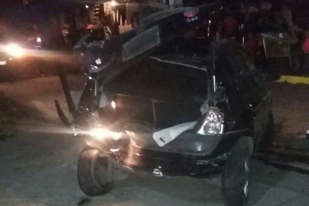 El accidente se registró en la esquina de la Avenida Cantera y la Avenida Metales, del Fraccionamiento Villas del Pedregal (FOTOS: CORTESÍA)