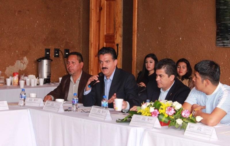Este año se entregó un nuevo relleno en el municipio de Ziracuaretiro, uno de los centros más novedosos en el estado para el tratamiento de la basura, destacó Luna García