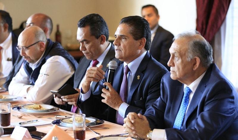 Presentan ante el Gabinete Estatal a Enrique Martini Castillo, como nuevo delegado de la SEGOB y coordinador de las delegaciones