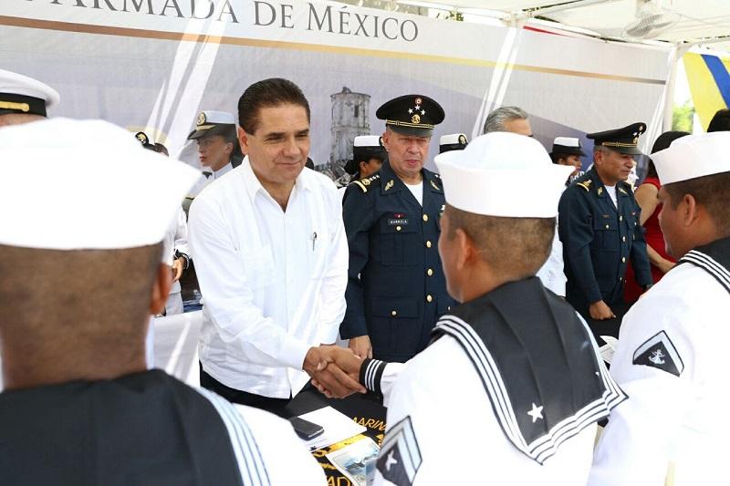 El vicealmirante Luis Mario Ramón Bravo Román, comandante de la 10 Zona Naval, a nombre del secretario de Marina, almirante Vidal Francisco Soberón Sanz, dio lectura al discurso oficial