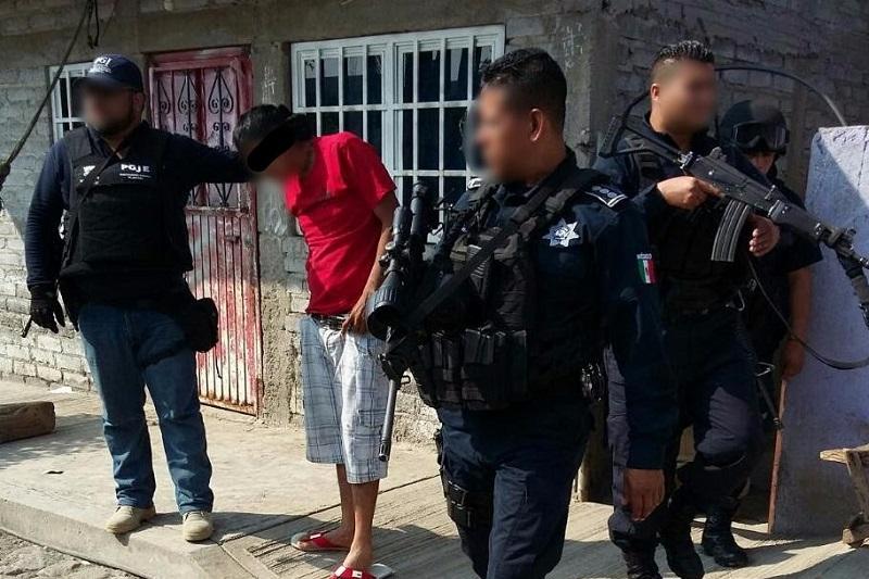 Los detenidos, junto con las armas y equipo táctico asegurado, quedaron puestos a disposición de las autoridades ministeriales para los efectos de ley
