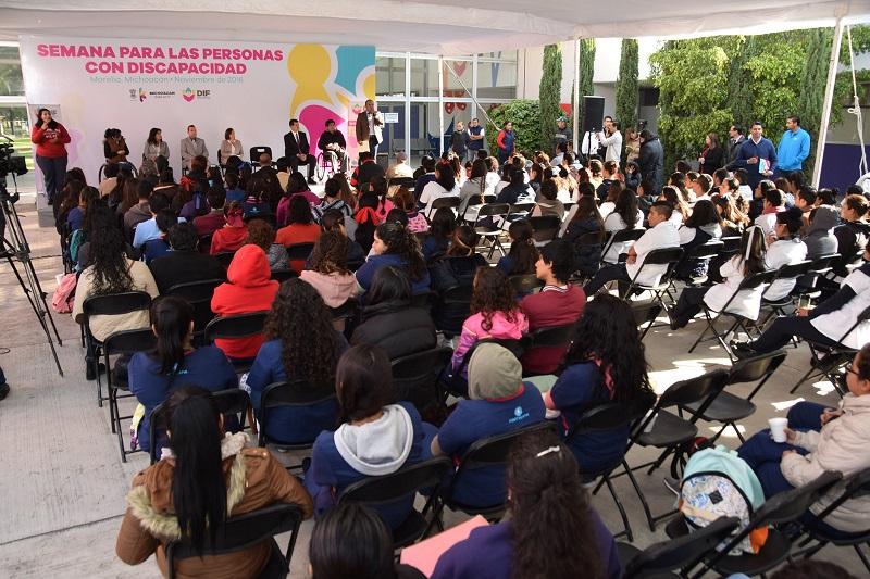 El Sistema DIF Michoacán trabaja de manera permanente a través de la prestación de servicios y programas para este sector de la población
