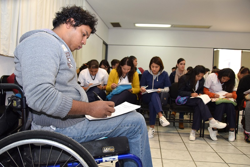 Rocío Beamonte Romero destaca los apoyos brindados a través de Avanza DIFerente; benefició a más de 8 mil 600 michoacanos en su primera etapa, expone