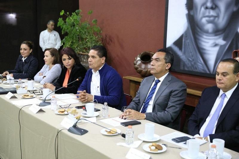 Por su parte, el secretario de Gobierno, Adrián López Solís, señaló que en los próximos días, conforme a lo que establece la norma, será entregado al Congreso del Estado el primer informe de las acciones para dar cumplimiento al segundo resolutivo de la Declaratoria
