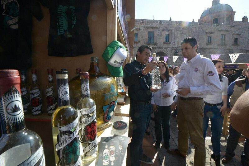 Para Martínez Alcázar, es necesario trabajar en conjunto con los municipios del estado y hacia afuera con las demás entidades para posicionar esta bebida ancestral