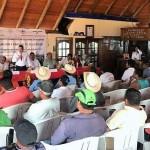 García Avilés se reunió con líderes regionales, a los que exhortó a seguir aportando para que los conflictos y diferencias se diriman en paz y en el marco de la ley