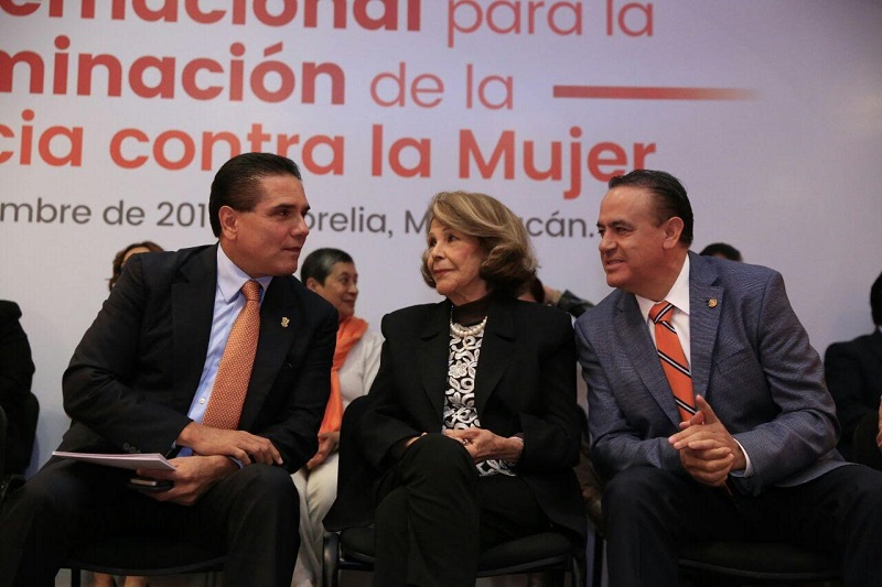 Sigala Páez se pronunció a favor de sumarse en todas las acciones de cero tolerancia ante cualquier tipo de violencia contra las mujeres en Michoacán y convocó a todos los michoacanos a cerrar filas en ese sentido