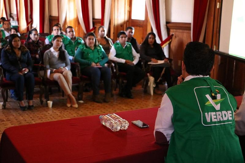 Este taller se impartió en el salón de recepciones del Congreso del Estado de Michoacán de Ocampo, y fue dado por expertos en la materia como la psicóloga Talía Coria