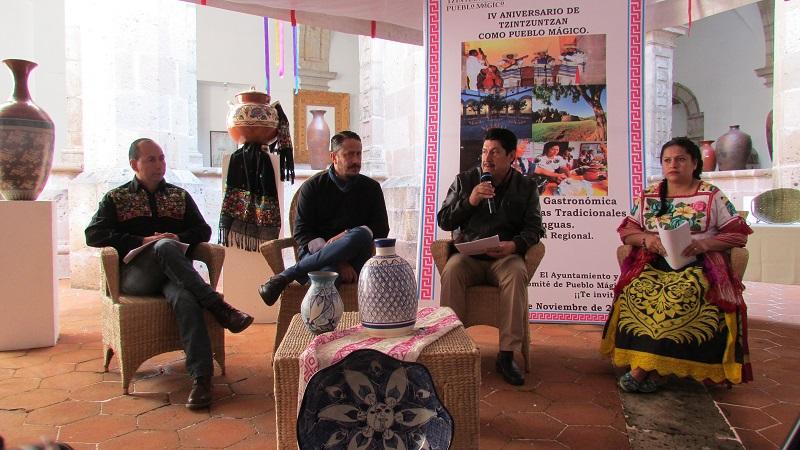 El alcalde de Tzintzuntzan, Elesban Aparicio Cuiriz, hizo una invitación a visitar el municipio para degustar una variedad de platillos típicos michoacanos preparados por las cocineras tradicionales