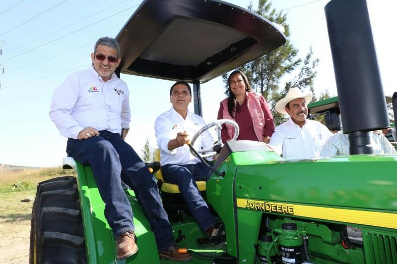 Aureoles Conejo reconoció el potencial que tiene el campo para que el estado le haga frente a las crisis que impactarán a la economía no sólo de Michoacán sino de todo el país