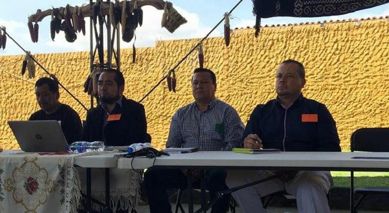 La  defensa de los  derechos de los pueblos originarios, resaltó, es tarea de todos los niveles de gobierno y resaltó el compromiso del Congreso del Estado y del propio gobierno estatal para caminar juntos de la mano con las comunidades
