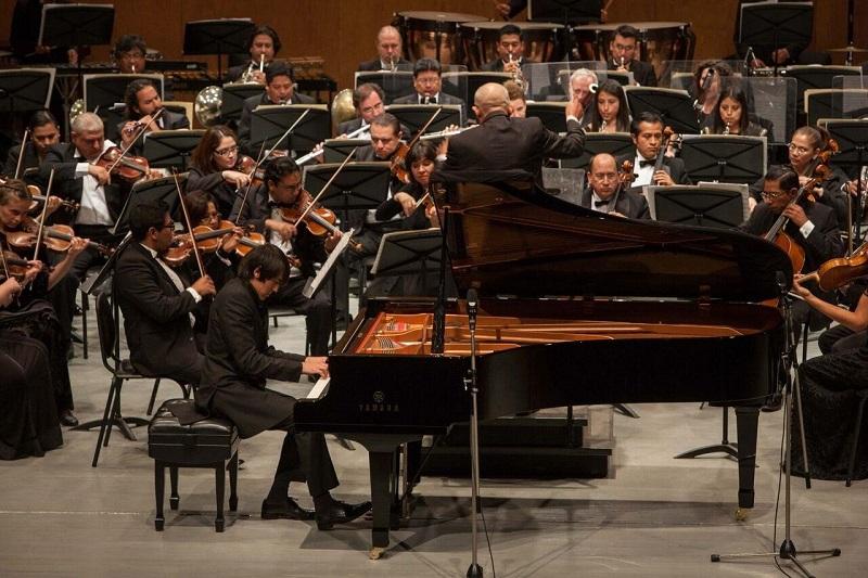 """El programa cerró con la """"Sinfonía No. 4 Op. 36"""" del compositor ruso Piotr Ilich Tchaikovski del siglo XIX, quien es autor de algunas de las obras de música clásica más famosas en la actualidad como """"El lago de los cisnes"""" y """"El cascanueces"""""""
