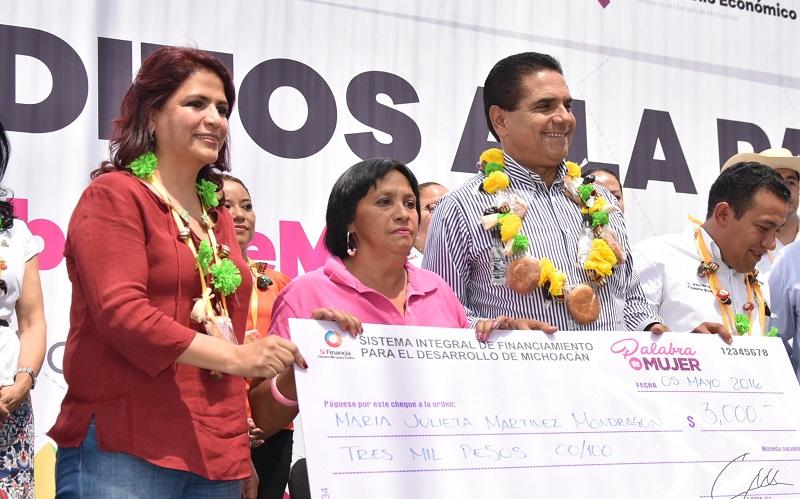 Hasta la fecha, este programa de microcréditos único en el país ha beneficiado de manera directa o indirecta a más de 50 mil personas de 70 municipios de la entidad