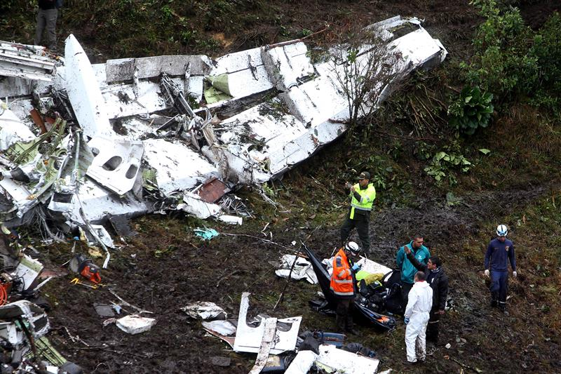 Cambiar de avión y partir desde Sao Paulo dos horas después de lo previsto fue el comienzo de una tragedia que dejó 71 muertos y 6 sobrevivientes, según el saldo final del gobierno colombiano, ya que inicialmente se anunciaron 76 fallecidos