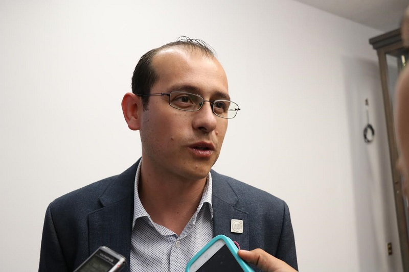 Hinojosa Pérez, detalló que con la declaratoria se destinaron 147 mdps que servirían para garantizar la efectiva aplicación de las acciones que comprenderían dicha alerta, sin embargo hasta el momento ninguna instancia gubernamental ha transparentado el manejo de estos recursos