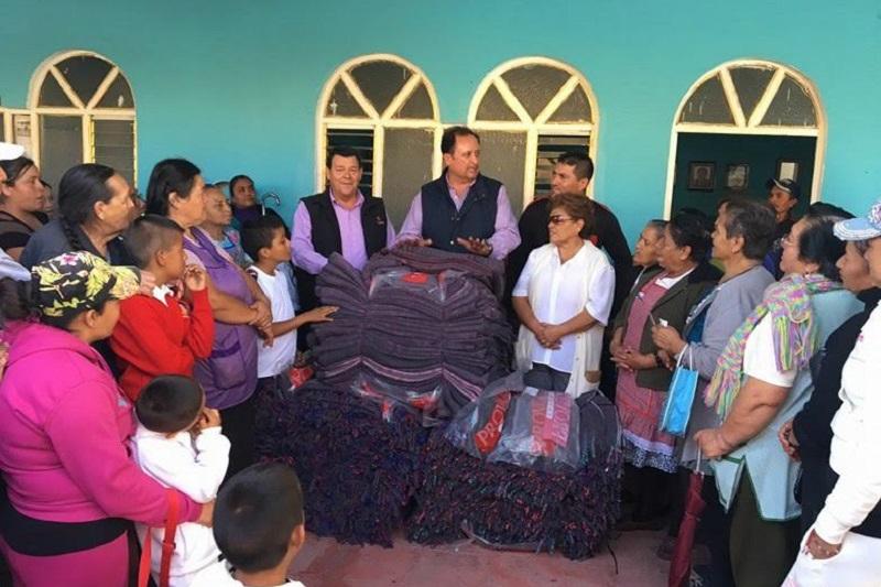 Raúl Prieto reiteró ante la población de su distrito, su disposición de continuar impulsando acciones que contribuyan a que mejoren sus condiciones de vida, y que ayuden a dar solución  a los problemas que afectan a los michoacanos