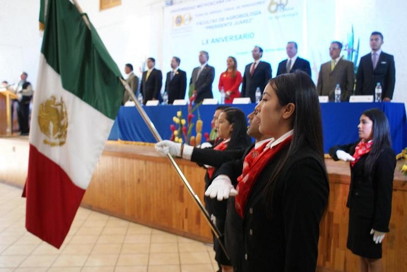 Serna González elogió la visión de quienes fundaron la Facultad de Agrobiología y de la planta académica que a lo largo de los años la han situado como un referente obligado en la formación de profesionistas de calidad