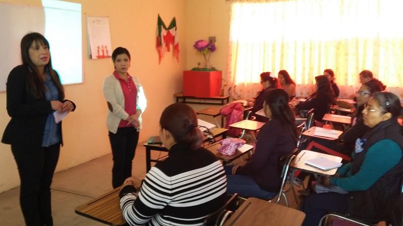 Alejandra Ortega explicó las características de las personas con estas condiciones; recalcó que no deben ser tratados como enfermos, porque no lo están y que más bien deben recibir terapias cognitivo conductuales, con la intención de ayudarles a modificar conductas