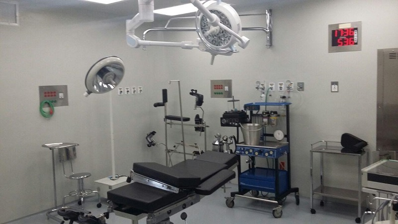 Los pacientes del Hospital Regional de Zamora que requerían intervenciones quirúrgicas eran enviados a  La Piedad, Sahuayo, Uruapan, Apatzingán; incluso a los hospitales de la Mujer y Civil en Morelia