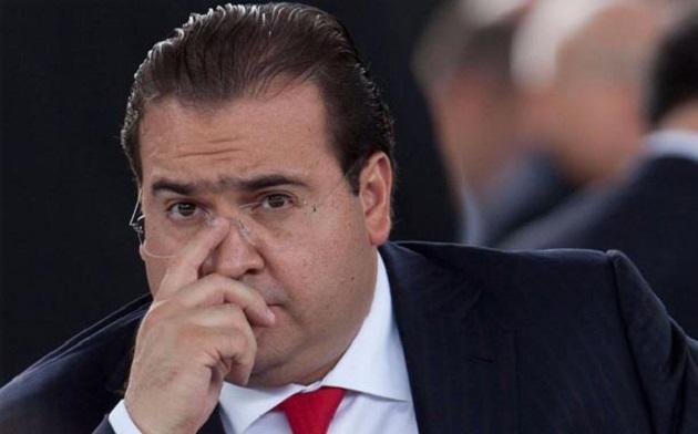 Información proporcionada por el gobernador electo Miguel Ángel Yunes Linares sirvió para que la PGR localizara dos de las empresas de los prestanombres del hasta hoy gobernador de Veracruz, quien está prófugo