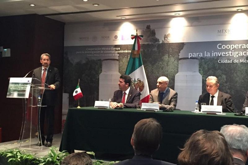 México es el cuarto lugar mundial en capacidad instalada en energía geotérmica con 926 megawatts pero aprovecha menos del 10 por ciento de su potencial, de allí la relevancia de hacer un mejor aprovechamiento del recurso renovable