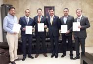 Corona Martínez exhortó a los nuevos funcionarios a desempeñar su labor con honradez y compromiso para brindarles a las y los michoacanos la atención que requieren