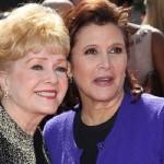 """""""Ella quería estar con Carrie"""", dijo su hijo Todd Fisher, citado por la revista especializada Variety, horas después de que, desconsolada por la muerte de su hija, colapsara y fuera hospitalizada"""