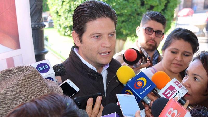 Alfonso Martínez sostuvo que en un ejercicio de congruencia, se deberían valorar el pulso de la sociedad para implementar otras estrategias que no generen un peso extra a la economía de los ciudadanos