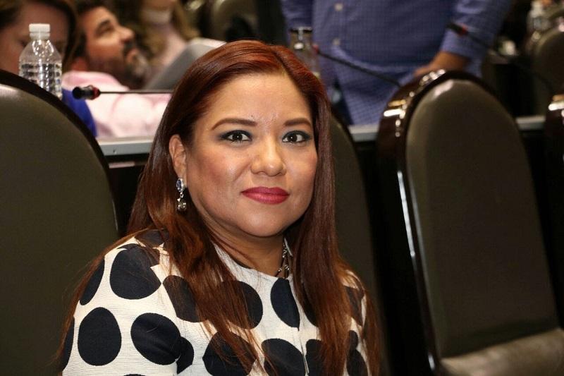 """Valdés Ramírez aclaró que """"es absolutamente falso que los diputados y senadores del PRD hayan votado a favor de la Reforma Energética, como mañosamente se está haciendo creer a los mexicanos"""""""