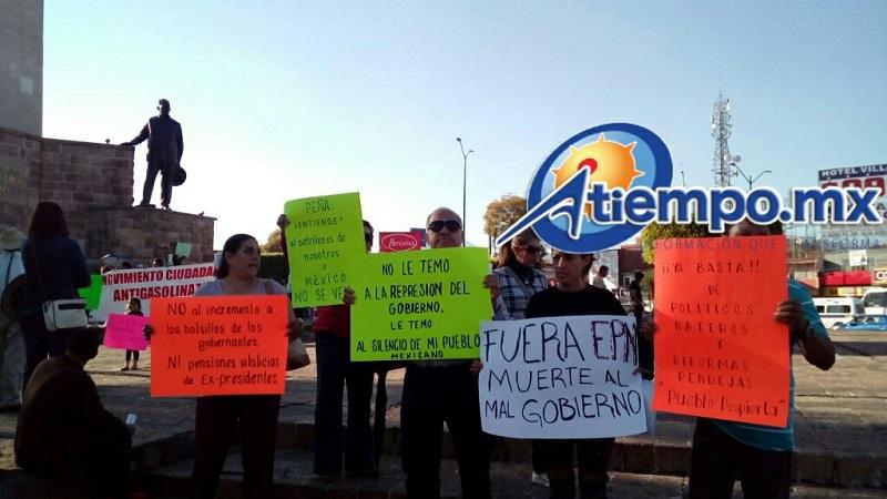Quienes atienden el llamado se reúnen en estos momentos en el Obelisco al General Lázaro Cárdenas del Río