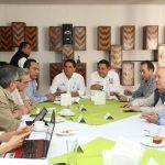 En Uruapan, Aureoles Conejo sostuvo una reunión con integrantes del Cemide, quienes le presentan análisis con respecto a la propuesta presentada ante el Legislativo local
