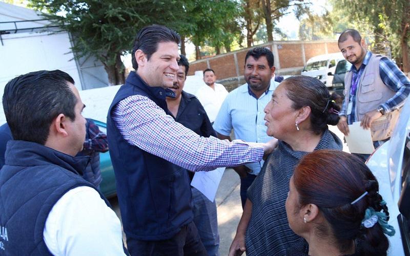 En el marco de la Feria de la Salud en la Tenencia de San Miguel del Monte, el alcalde exhortó a las mujeres a prevenir enfermedades aprovechando las pruebas gratuitas que provee este programa