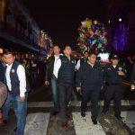 Acompañado del subsecretario de la institución, Carlos Gómez Arrieta, Juan Bernardo Corona recorrió la Avenida Madero para garantizar que la festividad se mantuviera en completa calma