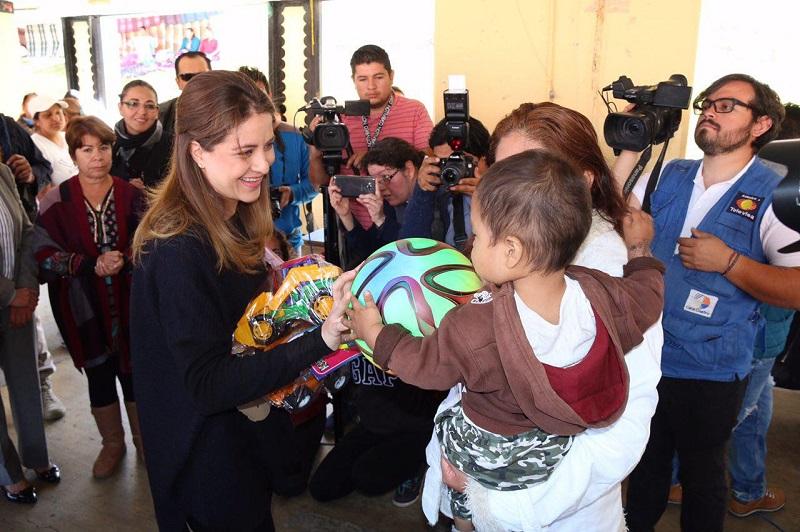 Paola Delgadillo, la primera presidenta honoraria del DIF que visita el CERESO