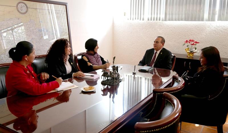 Godoy Castro explicó a la diputada el seguimiento que se ha dado a los nueve homicidios de mujeres que se han presentado en lo que va del año